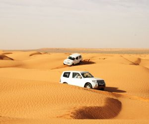 MAROCCO: MITSUBISHI CLUB ITALY MERZOUGA EXPEDITION